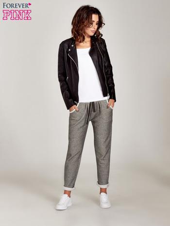 Jasnoszare melanżowe spodnie dresowe w stylu casual                                  zdj.                                  5