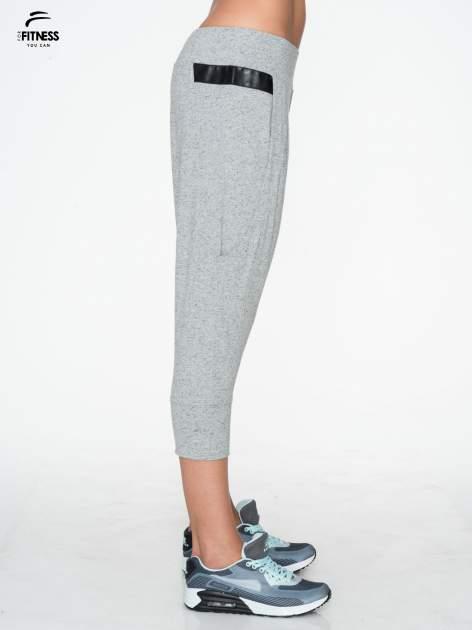 Jasnoszare spodnie capri z obniżanym krokiem                                  zdj.                                  2