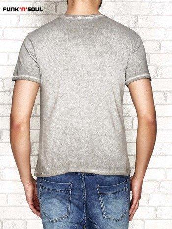 Jasnoszary t-shirt męski z napisem DISADVANTAGE Funk n Soul