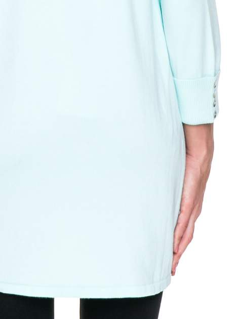 Jasnozielony sweter kardigan z podwijanym rękawami z guziczkami                                  zdj.                                  8