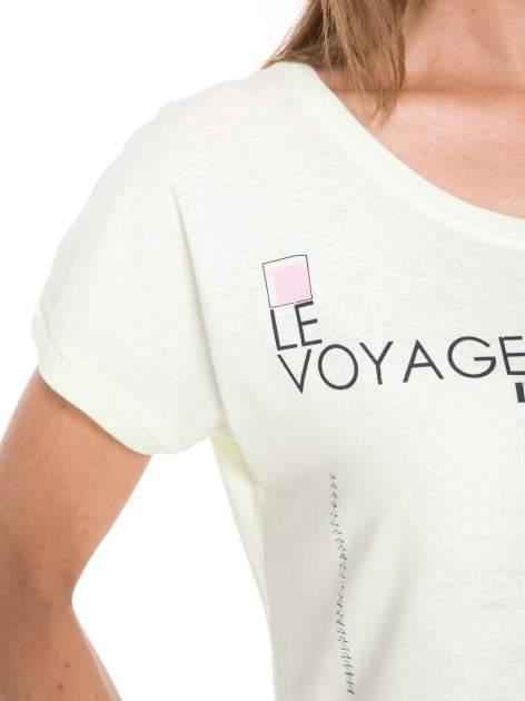 Jasnozielony  t-shirt z nadrukiem fashion                                  zdj.                                  8