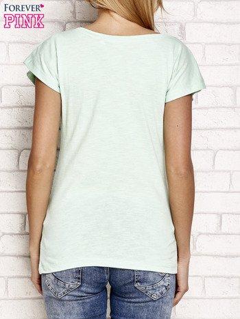 Jasnozielony t-shirt z napisem OUTSIDER                                  zdj.                                  2