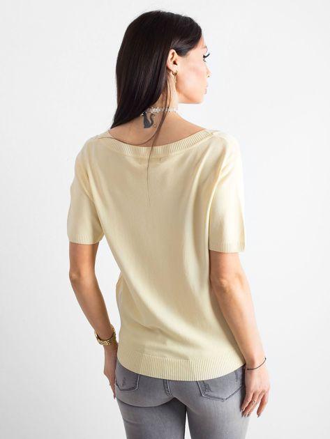 Jasnożółta bluzka z głębokim dekoltem                              zdj.                              2