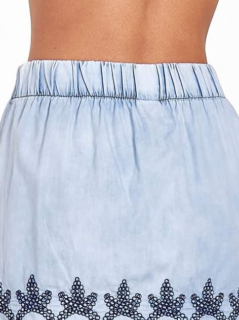 Jeansowa spódnica z haftem                                  zdj.                                  8