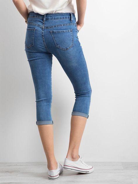 Jeansy z podwijanymi nogawkami niebieskie                              zdj.                              2
