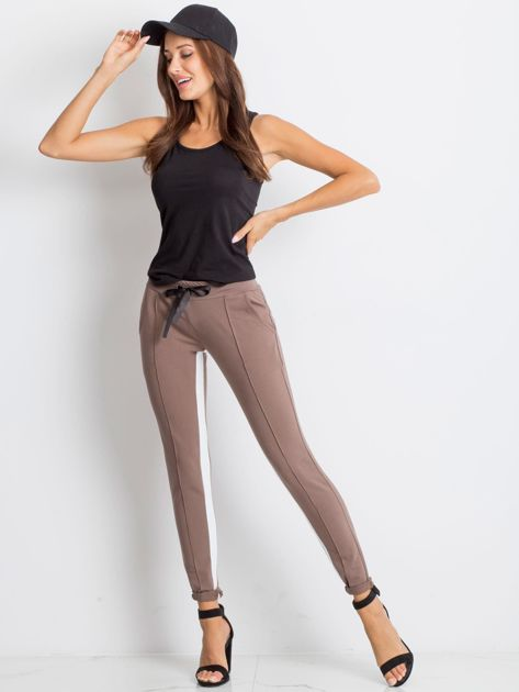 Kawowe spodnie dresowe Defined                              zdj.                              4