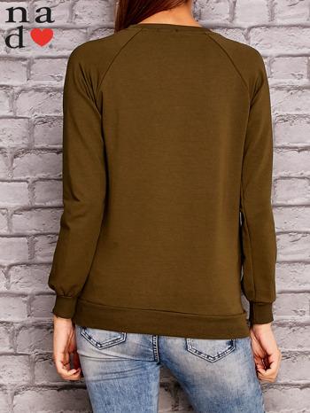 Khaki bluza z napisem CHCĘ PSOCIĆ                                  zdj.                                  4