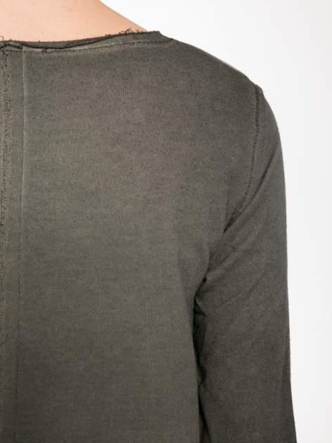 Khaki bluza z surowym wykończeniem i widocznymi szwami                                  zdj.                                  9
