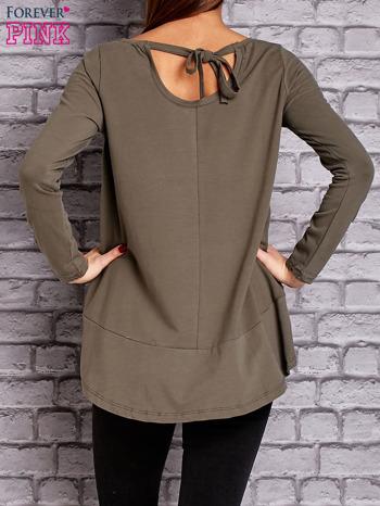 Khaki bluzka z wiązaniem na plecach                                  zdj.                                  2