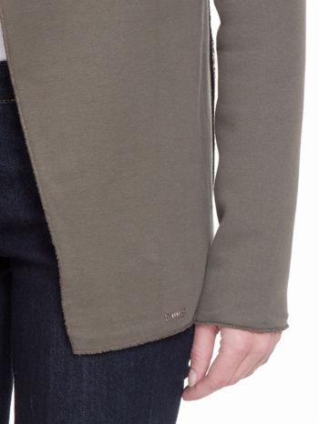 Khaki bluzonarzutka z klapami o kroju waterfall                                  zdj.                                  6