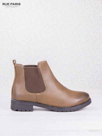 Khaki botki faux leather z cieniowanym przodem na klocku z gumową wstawką                                  zdj.                                  1