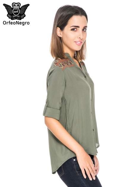 Khaki koszula z haftem etno na ramionach i kieszonką                                  zdj.                                  5