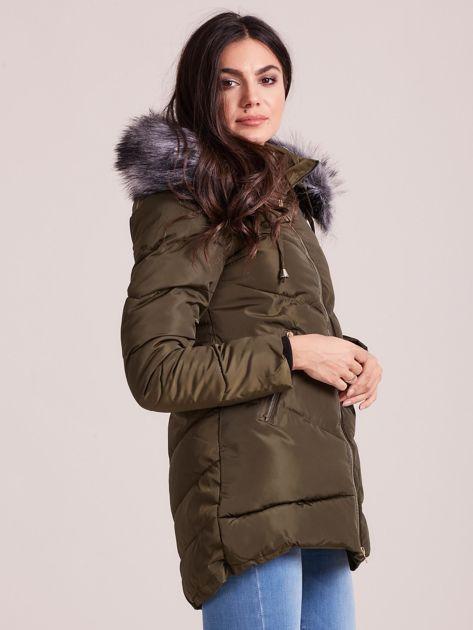 Khaki kurtka zimowa z kapturem i futerkiem                              zdj.                              3