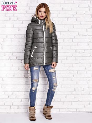 Khaki pikowana kurtka z kontrastowymi suwakami                                  zdj.                                  2
