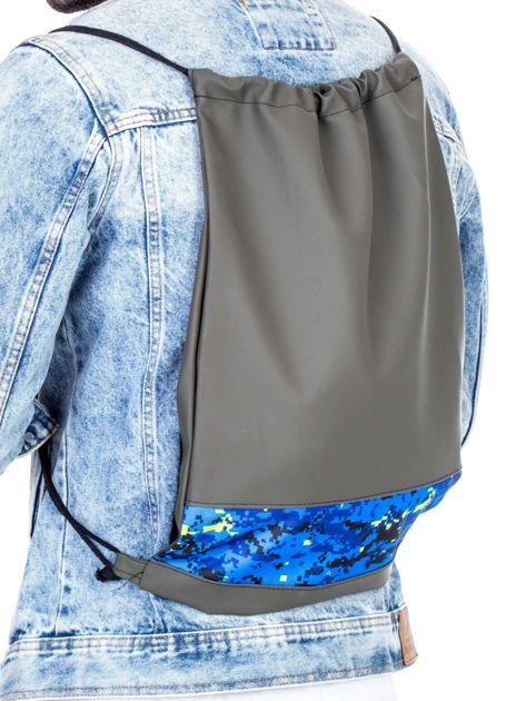Khaki plecak worek z geometryczną wstawką                               zdj.                              2