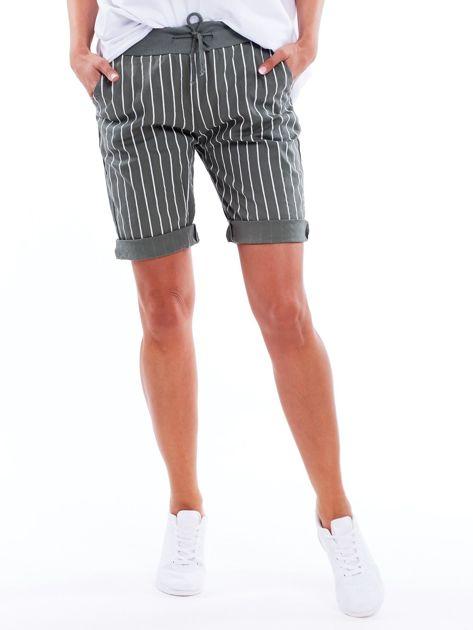 Khaki podwijane szorty w paski                              zdj.                              1