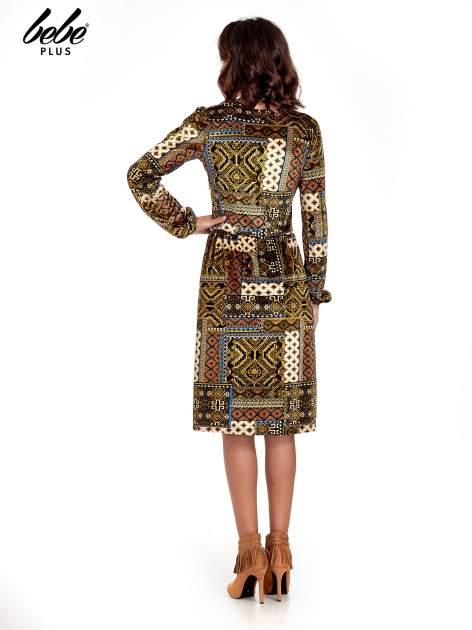 Khaki sukienka midi w patchworkowy wzór                                  zdj.                                  2
