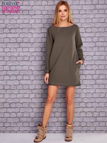 Khaki sukienka oversize z kieszeniami                                  zdj.                                  2