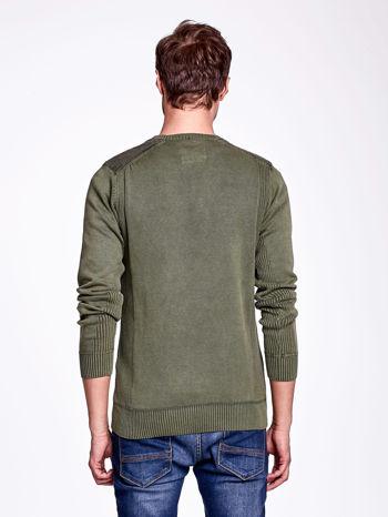Khaki sweter męski z prążkowanymi wstawkami                                  zdj.                                  4