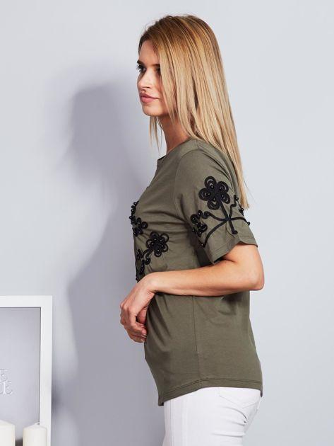 Khaki t-shirt z wypukłym haftowanym wzorem                                  zdj.                                  3