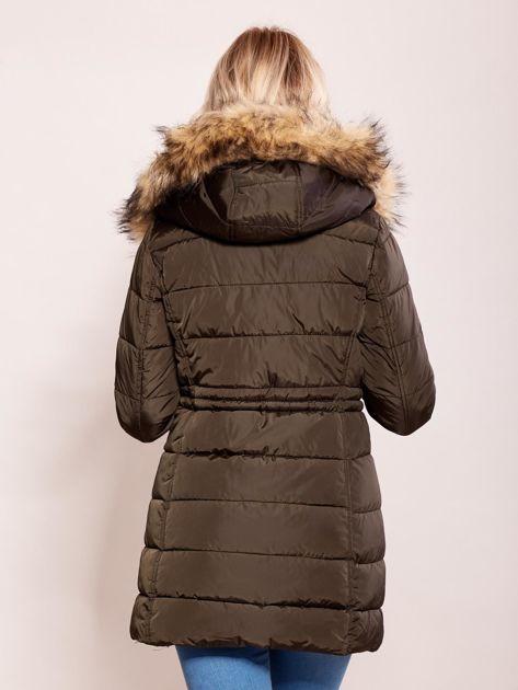 Khaki zimowa kurtka z kapturem                              zdj.                              2