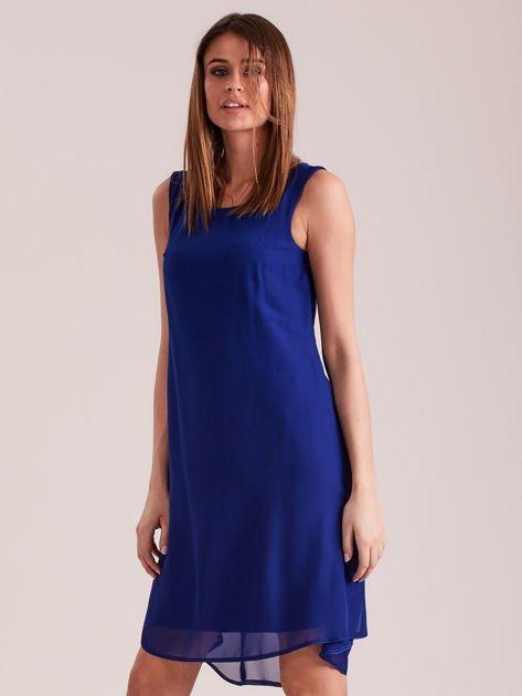 Kobaltowa sukienka z aplikacją z tyłu                              zdj.                              3