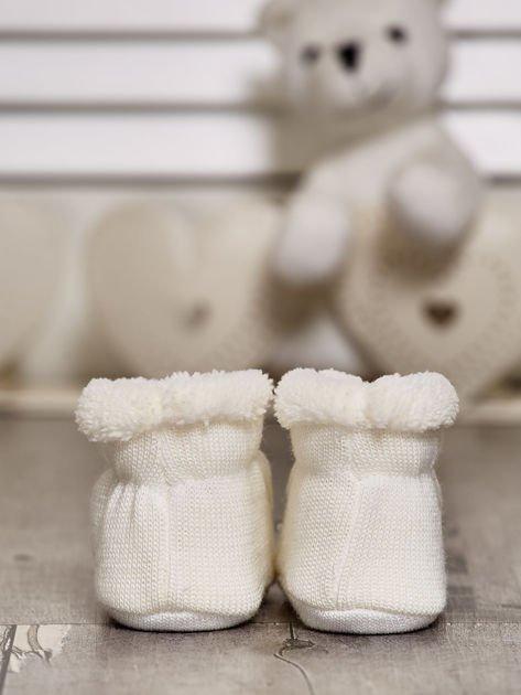 Komplet bucików dziecięcych z naszywkami ecru-jasnoniebieski                              zdj.                              4