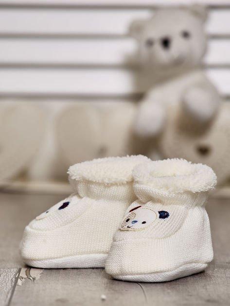 Komplet bucików dziecięcych z naszywkami ecru-jasnoniebieski                              zdj.                              3