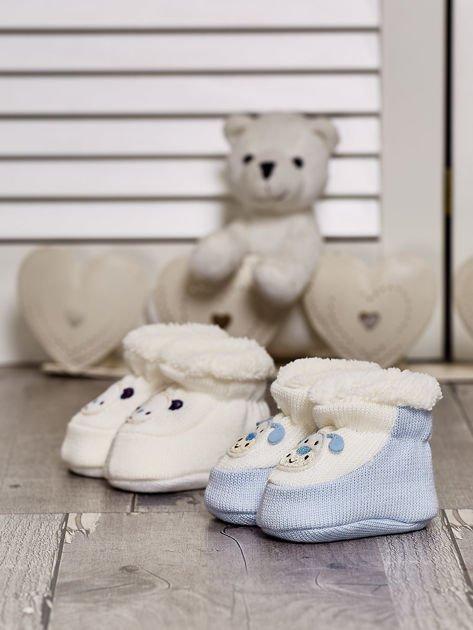 Komplet bucików dziecięcych z naszywkami ecru-jasnoniebieski                              zdj.                              1
