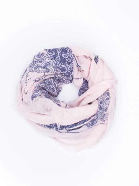 Koralowa bawełniana chustka w orientalny wzór                                  zdj.                                  2