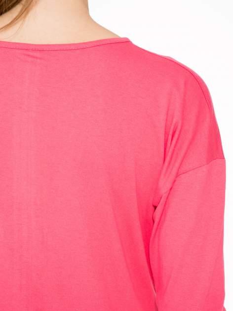 Koralowa bluzka z napisem CRAZY i nadrukiem fashionistek                                  zdj.                                  8