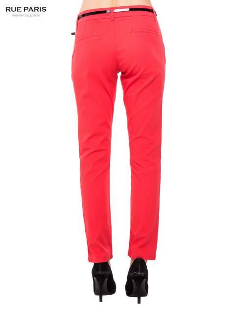Koralowe proste spodnie z paskiem                                  zdj.                                  4