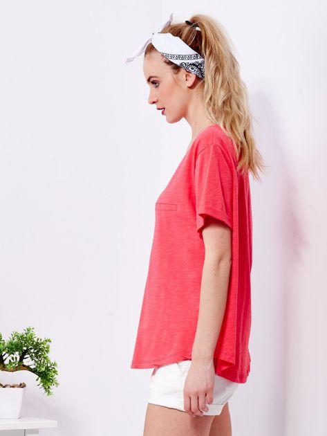 Koralowy t-shirt basic z podwijanymi rękawami                              zdj.                              5