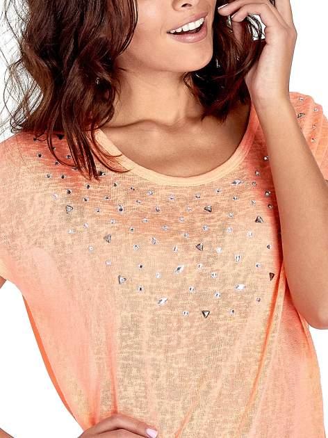 Koralowy t-shirt z kryształkami                                  zdj.                                  5
