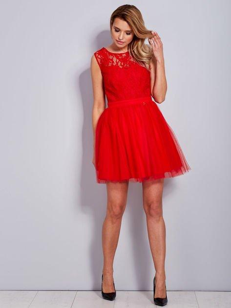 Koronkowa sukienka czerwona z tiulowym dołem                                  zdj.                                  4