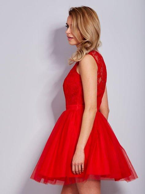 Koronkowa sukienka czerwona z tiulowym dołem                                  zdj.                                  3