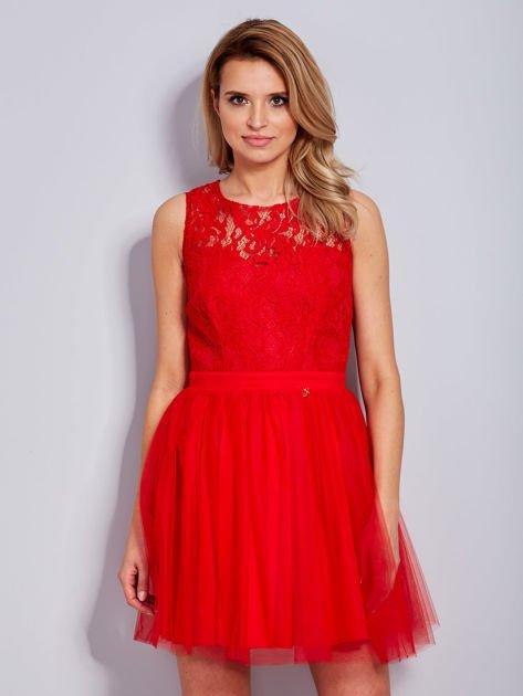 Koronkowa sukienka czerwona z tiulowym dołem                                  zdj.                                  6