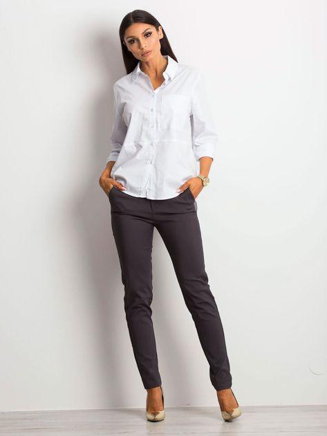 Koszula damska biała z kieszonką                              zdj.                              2