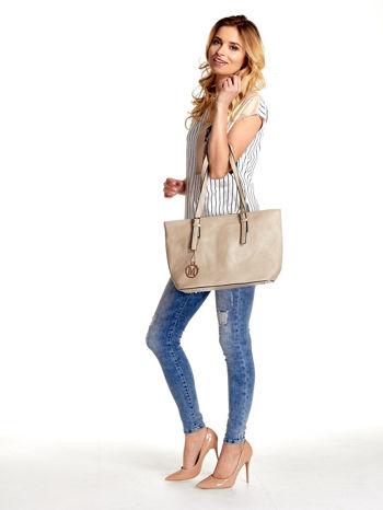 Kremowa torba shopper bag z regulowanymi rączkami                                  zdj.                                  6
