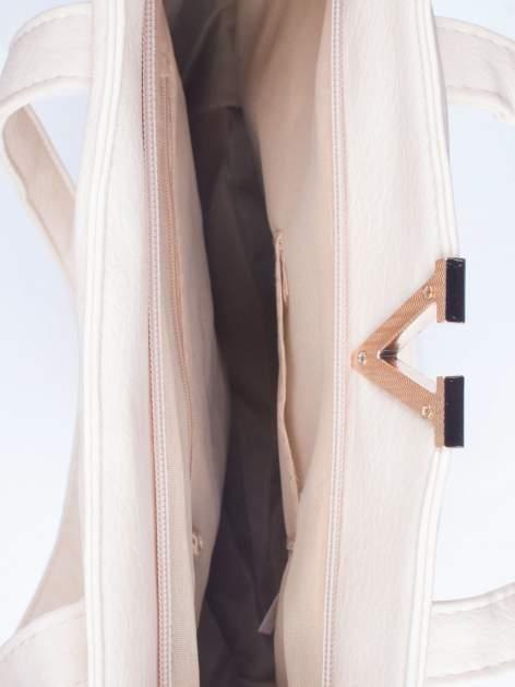Kremowa torba shopper bag ze kieszeniami na klapki                                  zdj.                                  4