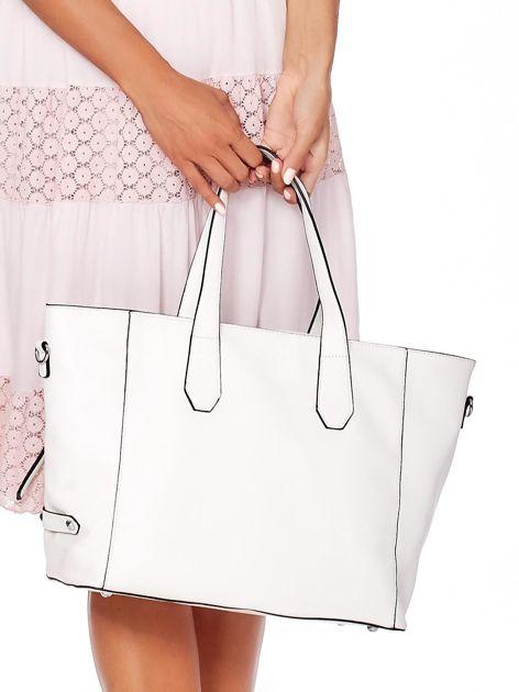 Kremowa torba shopper z ażurowaniem i odpinanym paskiem                              zdj.                              5