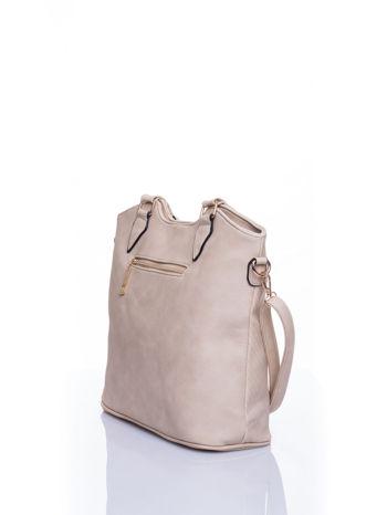 Kremowa torebka fakturowana w pasy                                   zdj.                                  4