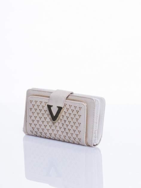 Kremowy portfel ze złotym detalem V                                  zdj.                                  2
