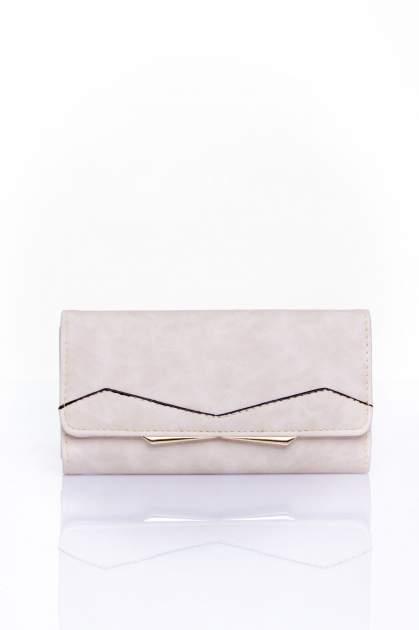 Kremowy zamszowy portfel z geometrycznym motywem