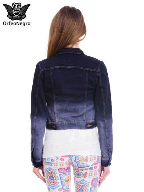 Kurtka jeansowa damska z efektem ombre w kolorze granatowym                                  zdj.                                  4
