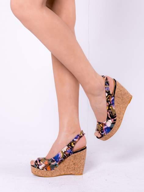 Kwiatowe sandały peep toe na koturnie korku                                  zdj.                                  2