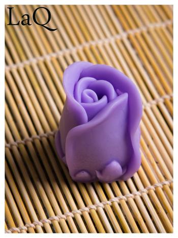 LaQ Mydełko Kwiat róży - fioletowy / Zapach - lawenda BEZ SLS i SLES