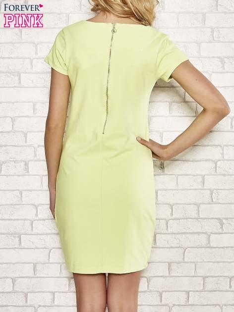Limonkowa sukienka dresowa o prostym kroju                                  zdj.                                  2