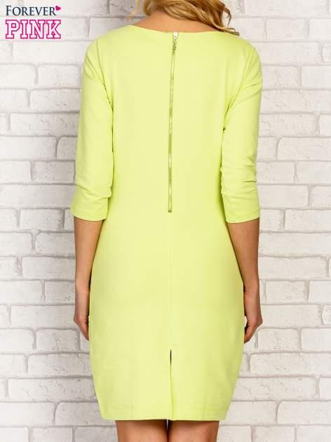 Limonkowa sukienka z kieszeniami na suwak                                  zdj.                                  4
