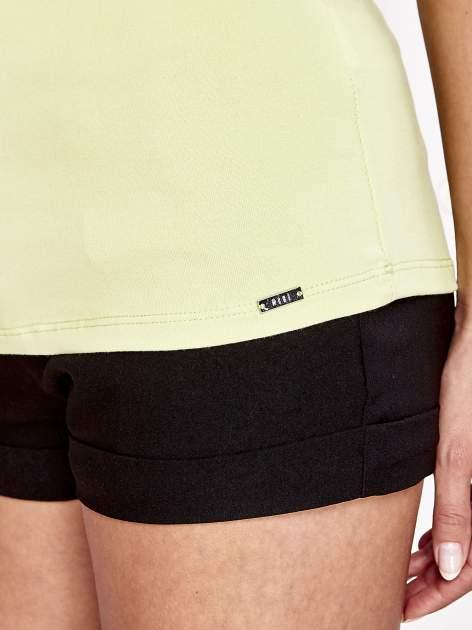 Limonkowy t-shirt z koronkowym wykończeniem rękawów                                  zdj.                                  6